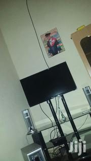 "Hisense 32"" Smart And Plasma Tv Stand 