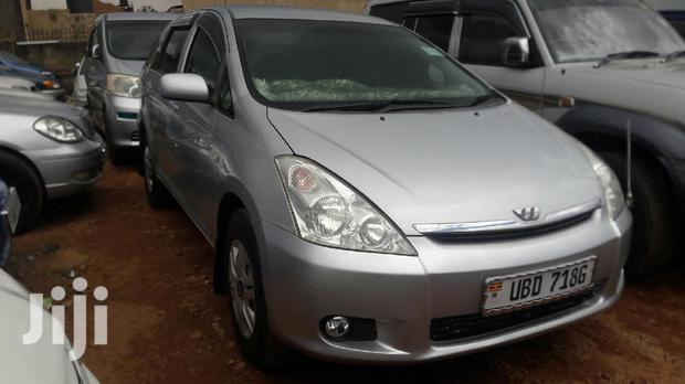 Archive: New Toyota Wish 2005 Silver