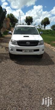 Toyota Hilux 2009 2.5 D-4D 4X4 SRX White | Cars for sale in Central Region, Kampala