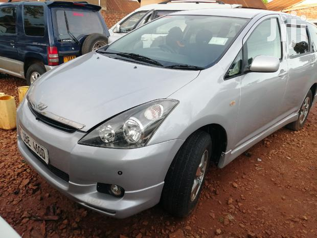 Archive: New Toyota Wish 2003 Silver