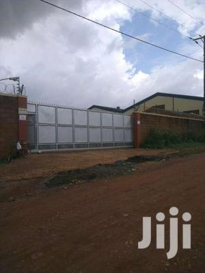 WAREHOUSE 2550sqmtrs + Office Space In Bweyogerere