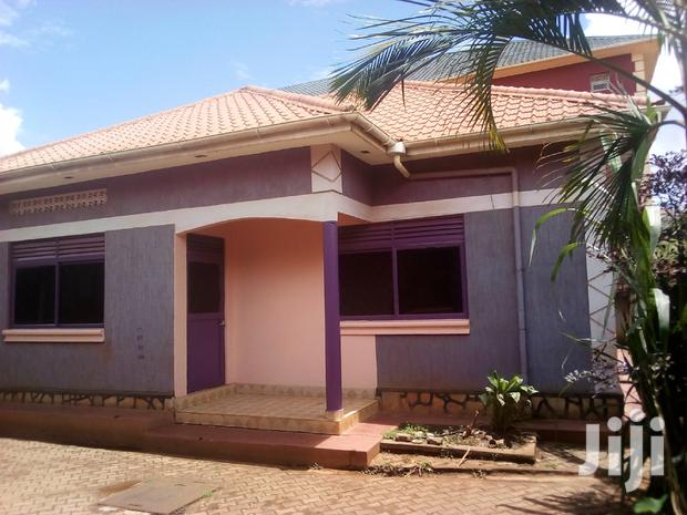 Archive: A Three Bedrooms For Rent In Kireka
