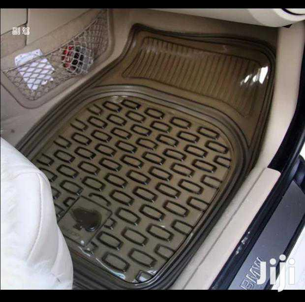 Rubber Dark Clear Mats For 5 Seaters