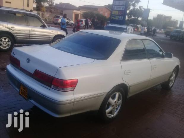 Archive: Toyota Mark II 2000 White