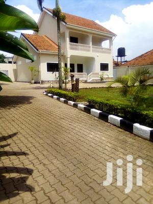 A 3 Bedroom Bungalow In Bunga