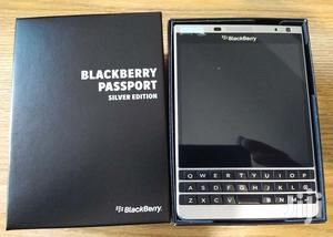 New BlackBerry Bold Touch 9930 128 GB Black
