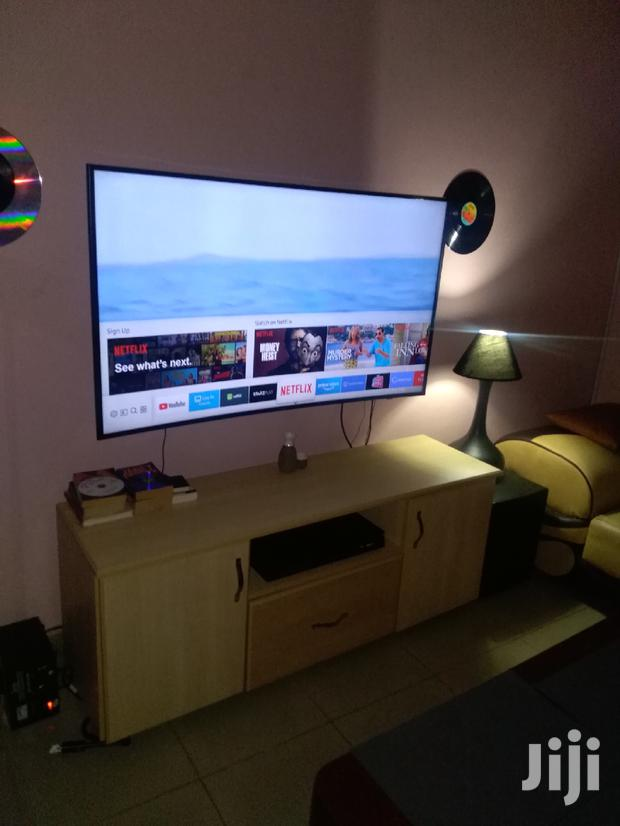 Archive: UK TV Stand
