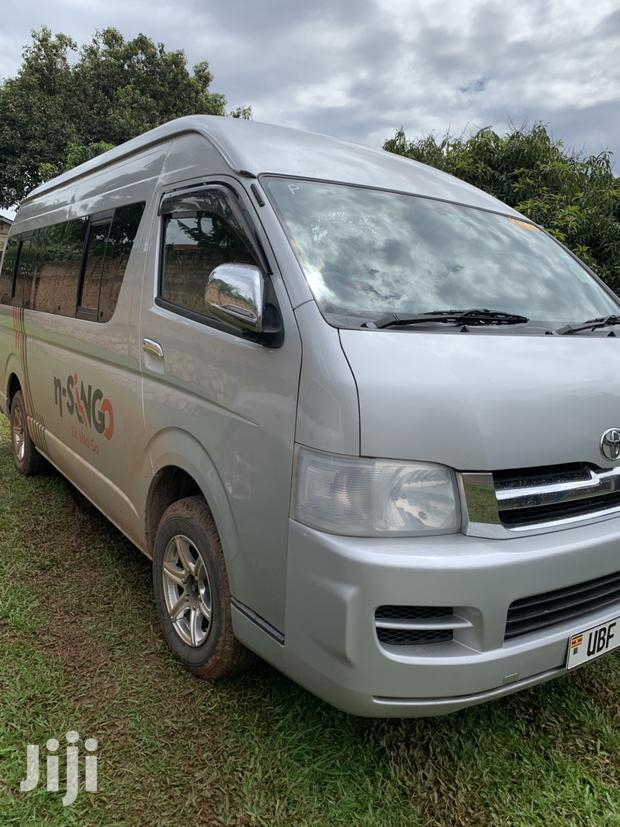 Archive: New Toyota HiAce 2005 Gray