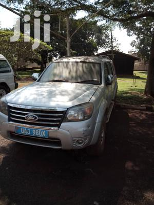 Ford Everest 2013 Silver