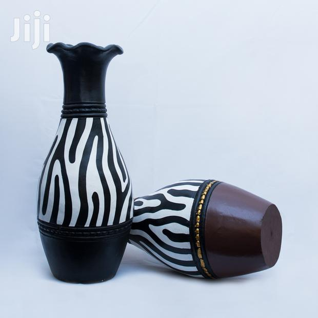 Archive: Beautiful Zebra Vases For Indoor & Outdoor Decorations