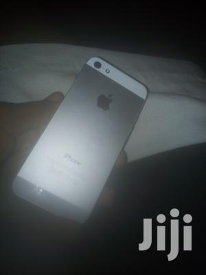 Apple iPhone 5 16 GB White