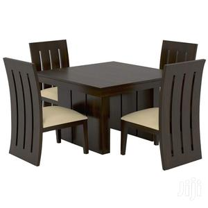 Simple 4 Seat Dinning With Spindle Chairs