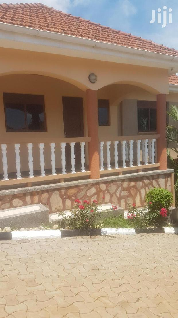 Archive: Four Bedroom House In Bugolobi For Rent