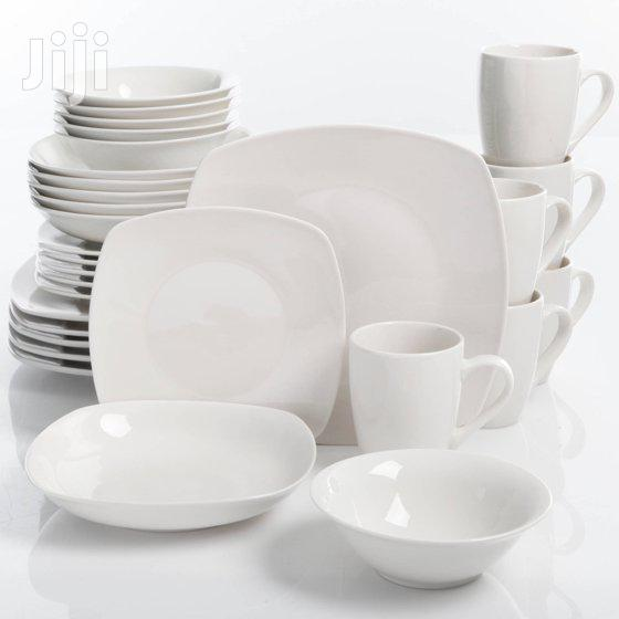Dinner Set Of 6 Dinner Plates, 6 Side Plates, 6 Soup Bowls And 6 Cups