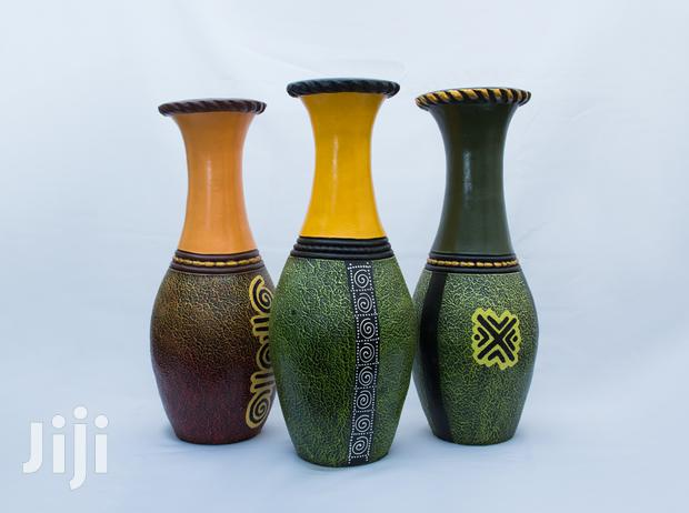 Archive: Longneck Abstract Vase (Green)