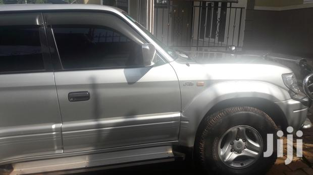 Archive: Toyota Land Cruiser 2001 Silver