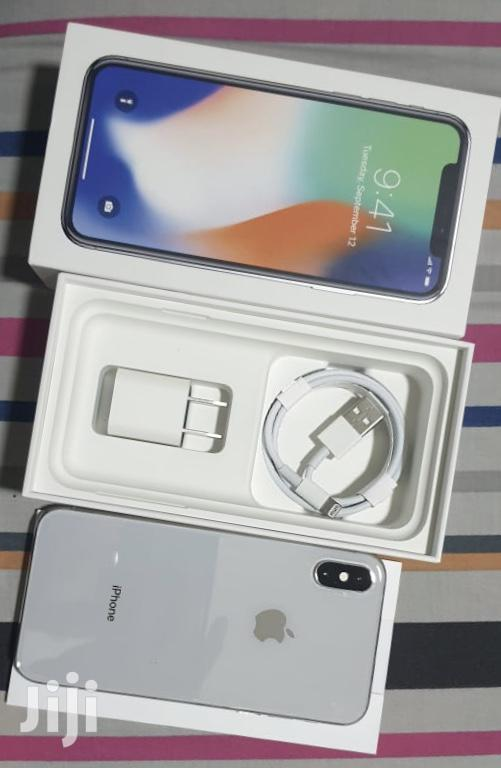 Archive: New Apple iPhone X 64 GB Silver