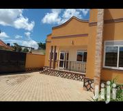 Kira Tarmacked Neighbourhood Beautiful House on Sell | Houses & Apartments For Sale for sale in Central Region, Kampala
