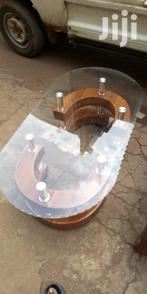 Oval Glass Center Table With 2stools