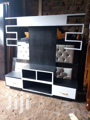 Tv Stand in White and Black