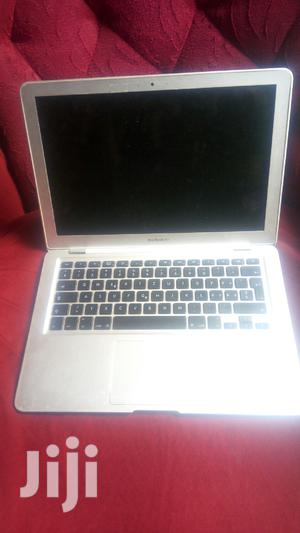 Laptop Apple MacBook Air 2GB Intel Core 2 Quad SSD 60GB