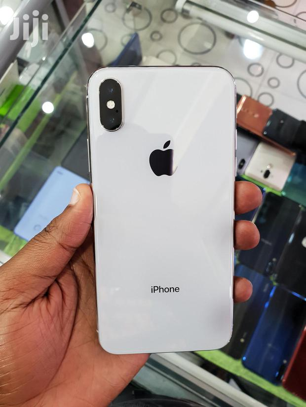 Archive: Apple iPhone X White 256 GB