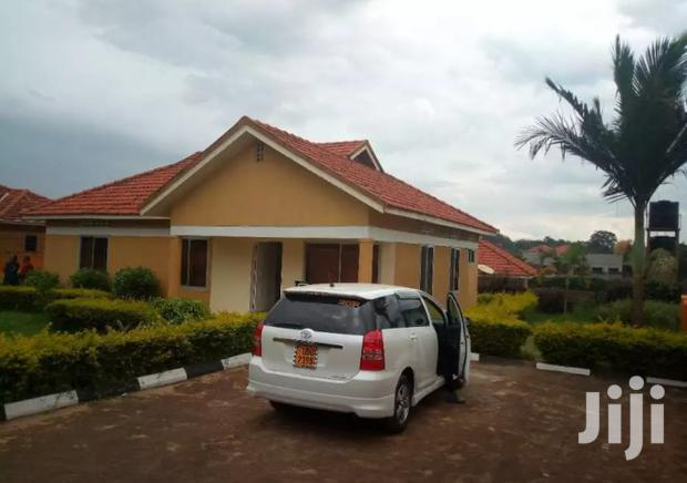 Archive: Naalya Three Bedroom Standalone House Is Available for Rent