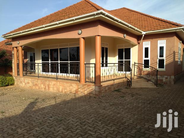 Archive: Kiwatule Three Bedroom Standalone House Is Available For Rent