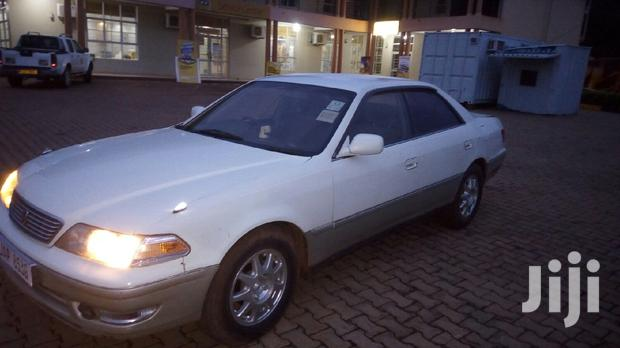 Archive: Toyota Mark II 2000 2.0 White
