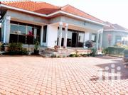 Banksale,Kawuku Entebbe Road Mansion On Sell | Houses & Apartments For Sale for sale in Central Region, Kampala