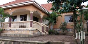Six Bedrooms House For Rent