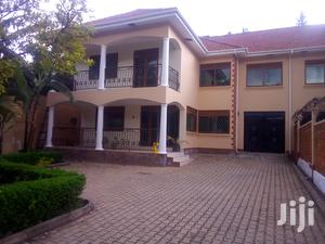 5 Bedrooms Apartment For Rent