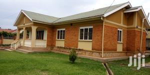 3 Bedrooms House For Rent