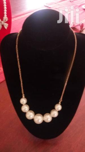 Pearl Necklace With Gold Tone Chain Necklace