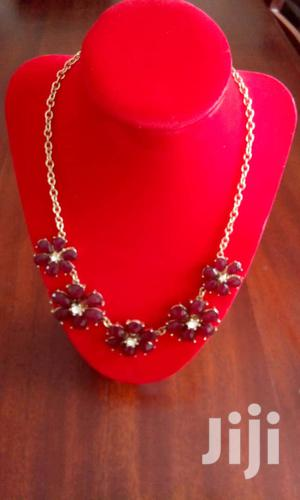 Gold Chain Necklace With Flower Shaped Ruby Stones Necklace