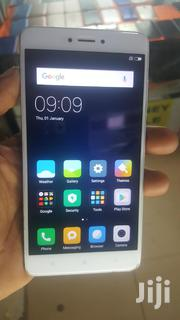 Phone 32 GB Silver   Mobile Phones for sale in Central Region, Kampala